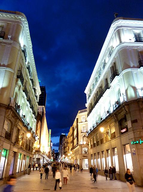 Calle de Preciados, Madrid, 10/04/2012.