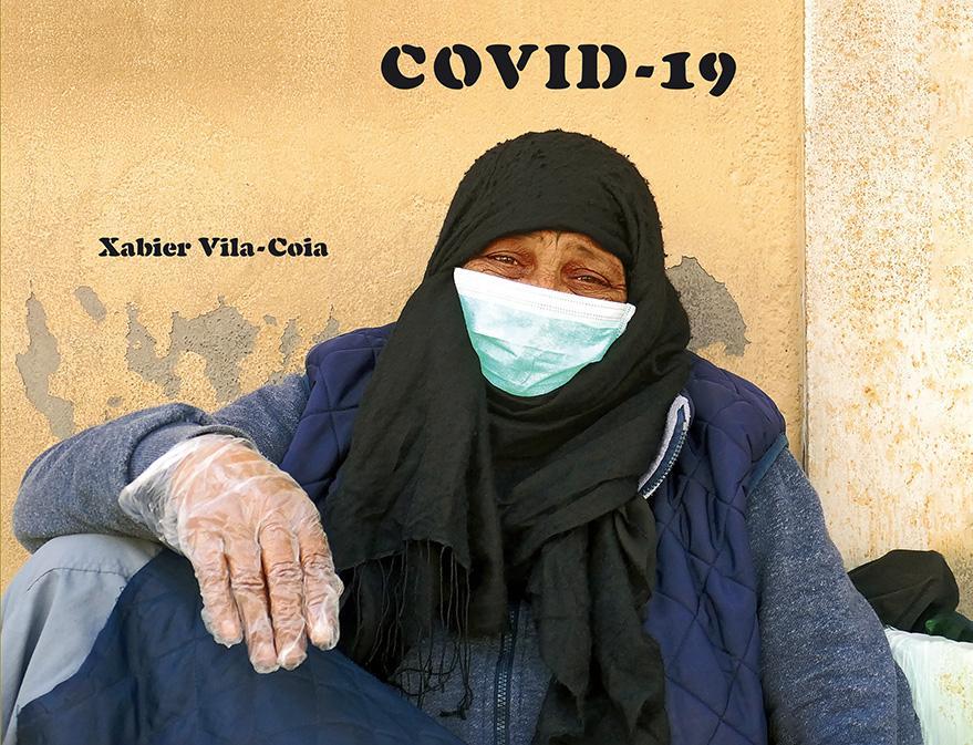 """Tapa anterior da capa do libro de Xabier Vila-Coia, titulado """"Covid-19"""""""